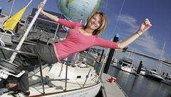 Šestnáctiletá Australanka bojuje na plavbě kolem světa s počasím