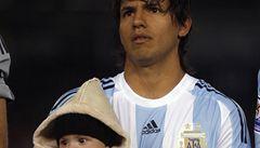 Maradonův vnuk je zajištěn, Agüero vydělává z mladých hráčů nejvíce