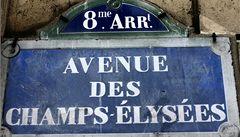Champs-Elysées? Více kultury, méně obchodů, žádají experti