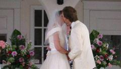 Britové zadrželi osoby z ČR a Slovenska kvůli fingovaným svatbám