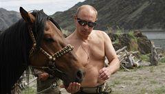 Ruský premiér Vladimir Putin se proháněl na Sibiři na koni