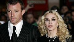 Madonna čepovala pivo v baru svého ex. Naposled, klub dělá problémy