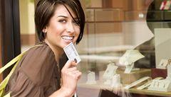Polovina spotřebitelských úvěrů je problematická, zjistila inspekce