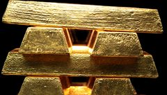 Prodejte své obří zásoby zlata, tlačí EU na Lisabon
