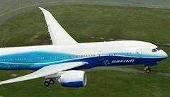 Boeing Dreamliner má údajně další výrobní problémy, akcie firmy spadly