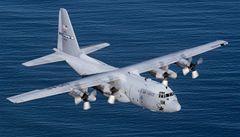 Při pádu vojenského letadla zemřelo 80 lidí
