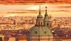Varování pro Česko: vyřešte dluhy, jinak vám snížíme rating