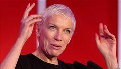 Zpěvačka Lennoxová, která bojuje proti AIDS, se stala 'Ženou míru'