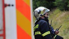 Při nočním požáru domku na Hradecku zemřeli dva lidé