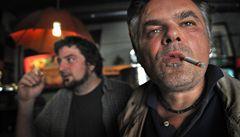 Tažení proti kuřákům pokračuje, EU prudce zvedne daň na cigarety