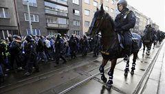 Rozvášněné fanoušky odvedla policie