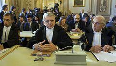 Stane Berlusconi před soudem? Ústavní soud ho může zbavit imunity