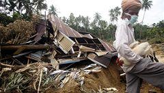 Východ Indonésie zasáhlo další zemětřesení, cunami však nehrozí