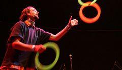 Žonglování prospívá mozku, pomáhá i dospělým