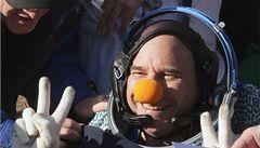 První 'vesmírný klaun' bezpečně přistál v Kazachstánu