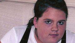 Dívka poznala svého vraha na Facebooku. Její matka před ním varuje
