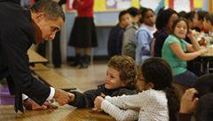 Mám slabost pro Harryho Pottera, prozradil Obama dětem ve škole