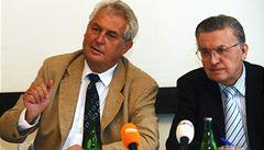 Paroubek ze strany vyhodil zemanovce: Schlinga, Fencla, Kužvarta...