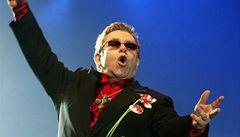 Elton John onemocněl chřipkou a musí zrušit koncerty