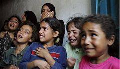 Izrael odpovídá zavřením Gazy