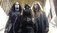 Zpěvák polské metalové kapely byl obviněn kvůli zničení bible
