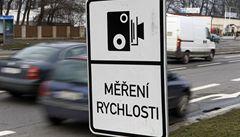 Řidiči kradou na silnicích značky, aby nedostali trest za rychlost
