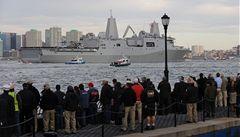Američané postavili loď z oceli 'dvojčat'