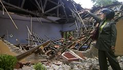 Silné zemětřesení a sesuvy půdy v Indonésii: 16 mrtvých a 40 zraněných