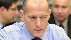 Guvernér ČNB Tůma překvapivě rezignuje ke konci června na funkci