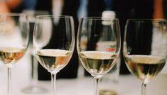 Nemírné pití mužům prý pomáhá na srdce