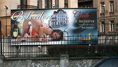 Sexistické prasátečko poputuje do nočního klubu