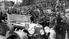 Ruský miliardář koupil v Německu originální Hitlerův mercedes