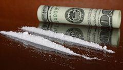 NASA vyšetřuje, jak se dostal kokain do hangáru s raketoplánem