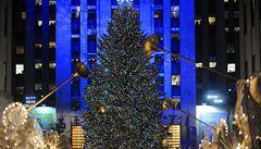 V New Yorku se rozzářil vánoční strom, zdobí ho křišťály Swarovski