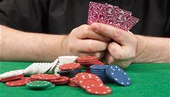 Hazard se zdaní. Firmy prý utečou do zahraničí