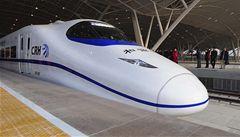 Nejrychlejší vlak na světě v Číně zastavil nezodpovědný kuřák