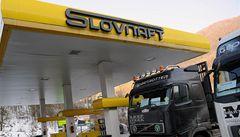 Chaos na hranicích narůstá, Slováci kamiony bez mýtného nepustí