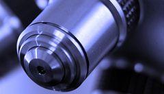 Mikroskop s českými kořeny je mezi stovkou nejlepších přístrojů