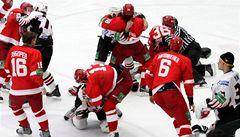 Třinec zkouší bitkaře, který napadl v KHL Jágra