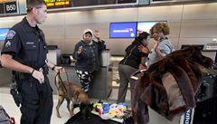 Británie zpřísní letištní kontroly. Na žádost Spojených států