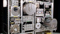 Přístroj za miliardy rozbila moč astronautů. Je v ní moc vápníku