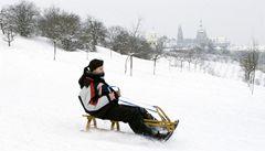 Teplota bude šplhat nad nulu, sníh o víkendu Česko nezasype