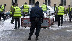 S úklidem sněhu z ulic pomáhají vězni, násilníci ale zůstali za mřížemi