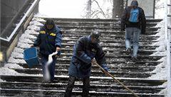 Magistrát znovu zaměstná bezdomovce na úklid sněhu