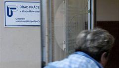 Podniky očekávají stagnaci a růst nezaměstnanosti