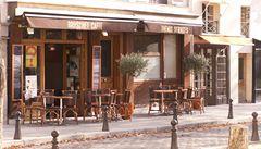 Pařížské kavárny ohrožuje nejen krize, ale i přístup personálu