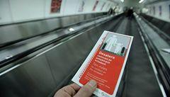 Na eskalátorech v metru přibudou kartáče. Mají zabránit úrazům dětí