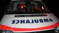 Šestnáctiletý chlapec vypadl z balkonu, v nemocnici zemřel
