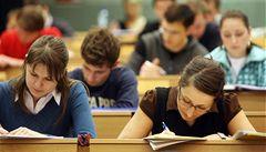Pražská soukromá univerzita údajně rozdává zkoušky bez zkoušení
