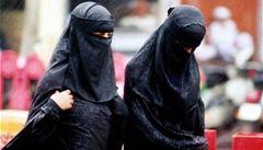 Ženy nesmí stříhat muž. Hamás zavádí 'pořádek'